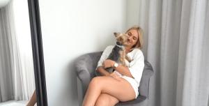 Georgie Stevenson with her dog